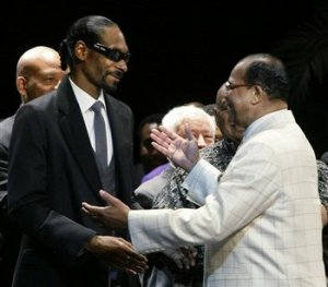 snoop-dogg-nation-of-islam-louis-farrakhan