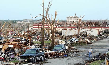 Tornado-destruction-in-Jo-007