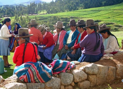 quetchua_women_chinchero_andes_mts Peru Natives