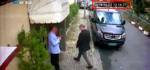 Jamal Khashoggi entering saudi consul